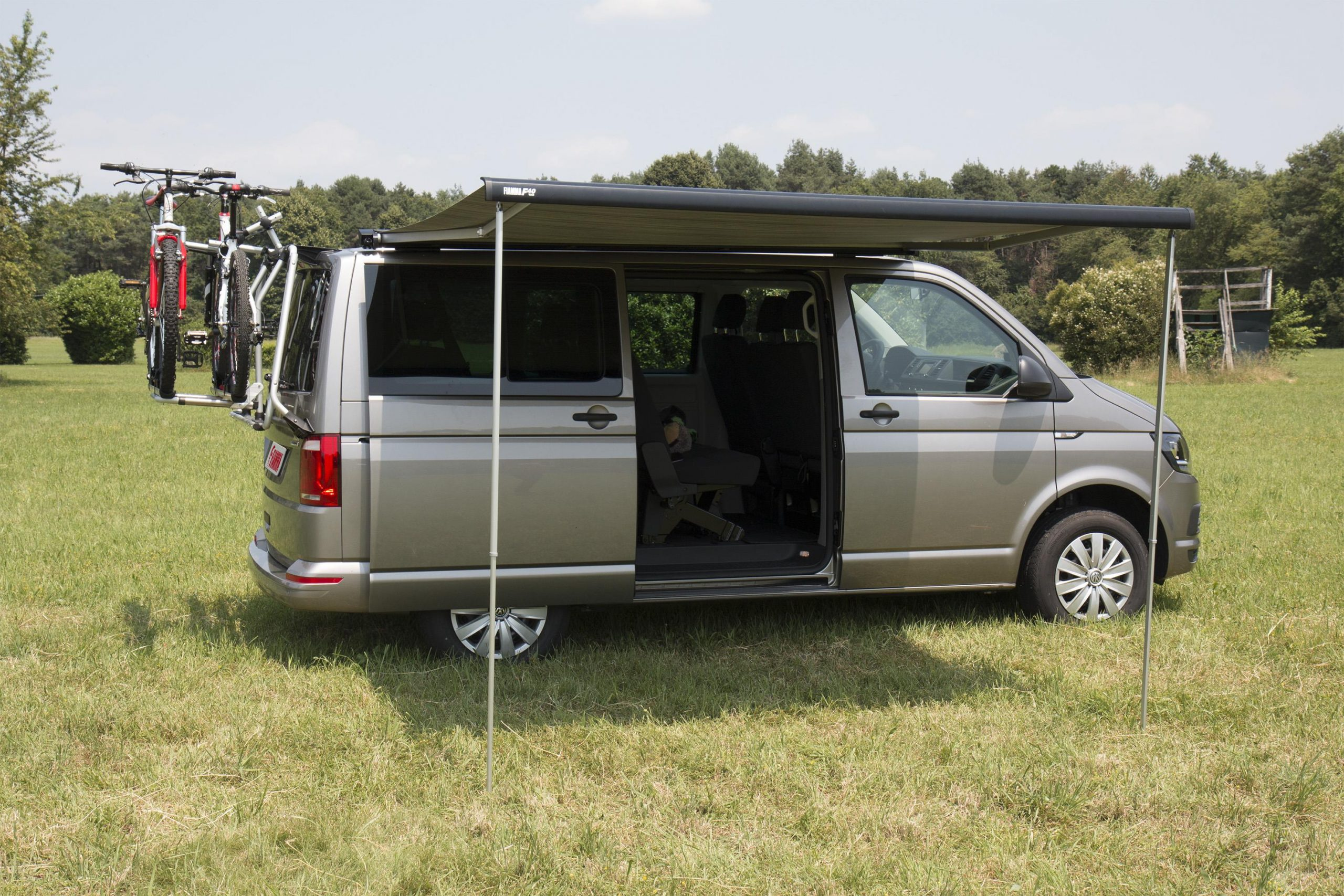 Fiamma F40 awning. VW T6. 270cm - Black case with a Royal ...